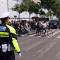 """#华小商直播# 西安最严""""车让人""""制度来了,全警出动上街严查看你让不让。"""