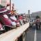 #华小商直播# 除了车让人,西安也开始严查严查二三轮载客了。