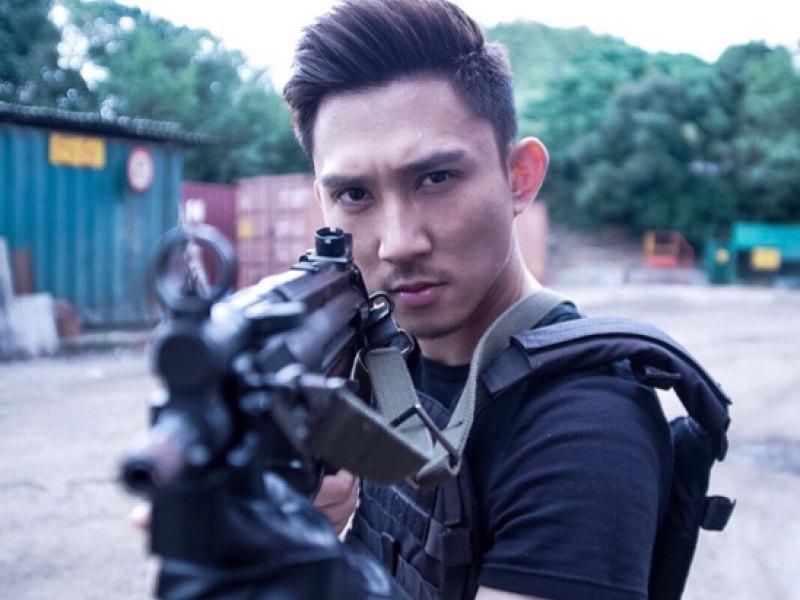 香港演员李兴华KEL正在直播