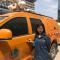 #华小商直播#:西安持续40℃高温,美女主播湿身体验一线电力工人日常。