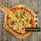 #美食教室#色、香、味、形它都有!来做一份玛格丽特披萨吧。😎