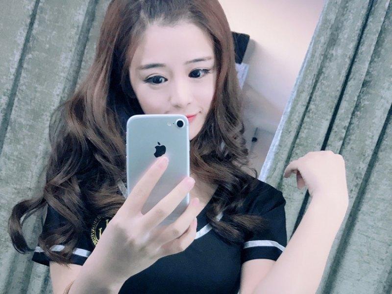 李小妞-软萌萌🐾正在直播
