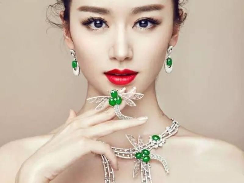 太太翡翠珠宝正在直播