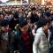 """在火车站4小时为1000余人引路 向""""亲子义工""""道声辛苦了!"""