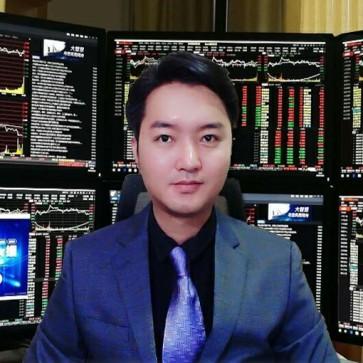 陈雨墨股票期货金融投资达人的头像