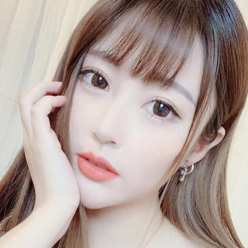 萌小美🍀 新歌《别说》正在直播