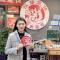 #十堰晚报爱吃团# 美女主播带你来虾皇蟹后吃今年夏天的第一顿小龙虾!!