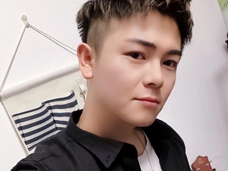 歌手_ 盛韩宇LeO正在直播