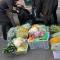 火锅店将千余斤春节储备菜送给养老服务中心老人