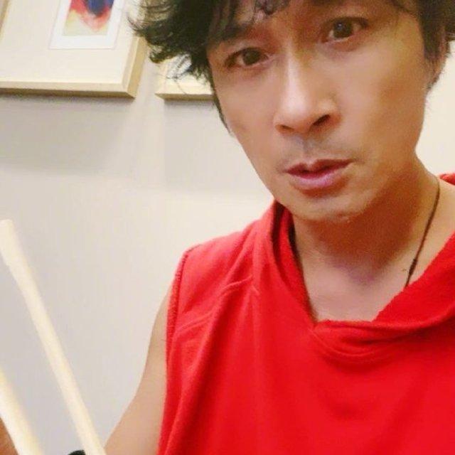 @鎮宇DD的豬頭俱樂部 的微博直播