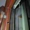 #华商直播帮 我为群众办实事# 西安一小区顶层漏水到弱电箱 业主担心引发触电
